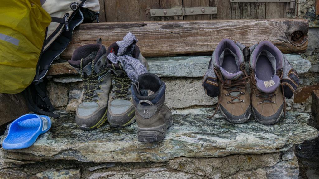 Bergschuhe vor Gandegghütte