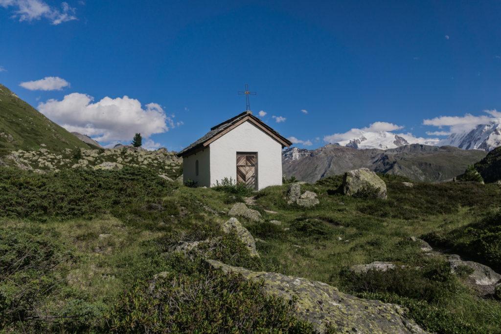 Kleine Bergkapelle am Berggasthof Trift.